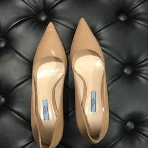 Authentic Nude a Prada kitten heels